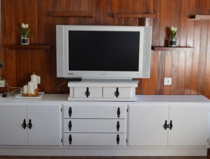Salón con televisión