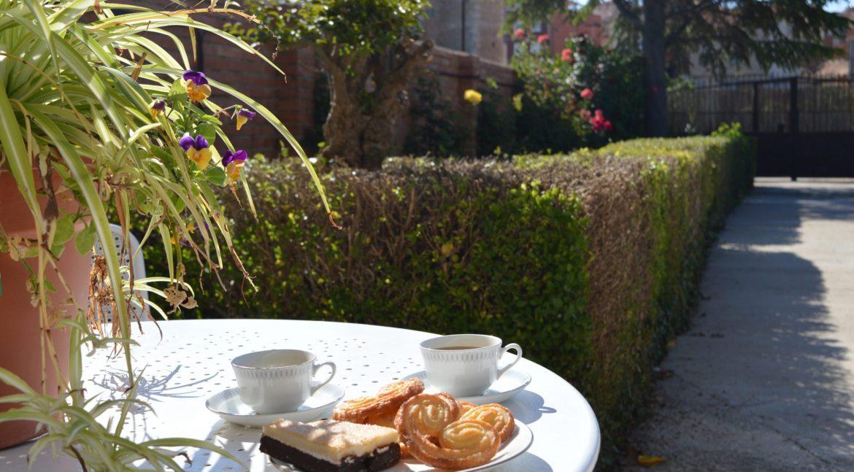 Desayuna en el Jardín